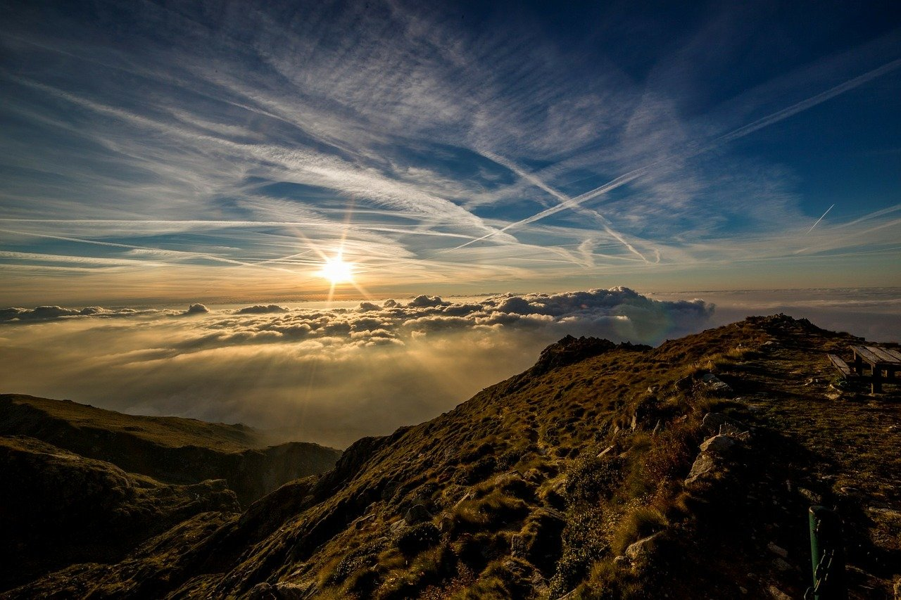 mountains-190055_1280