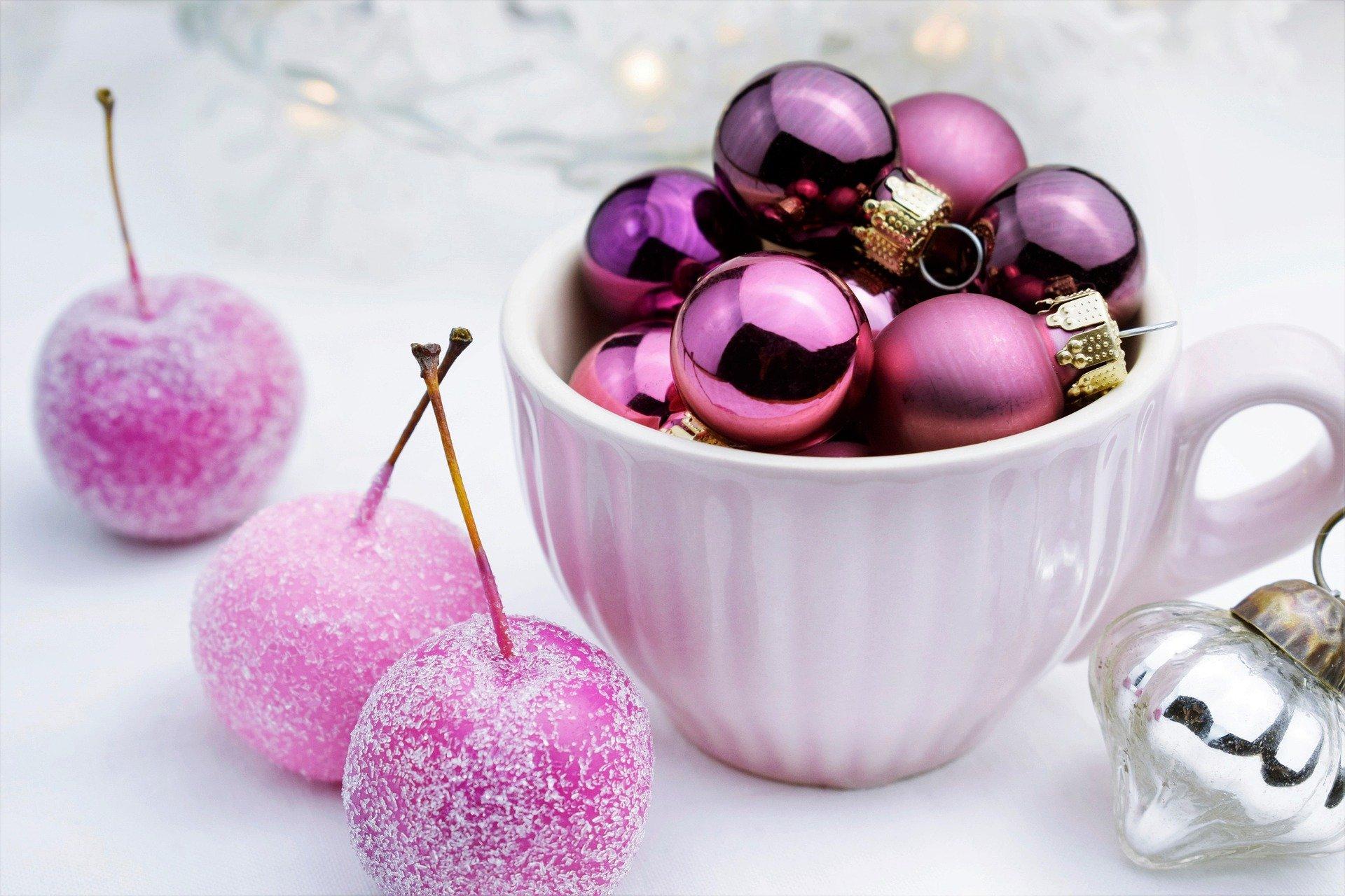 ornaments-5794746_1920